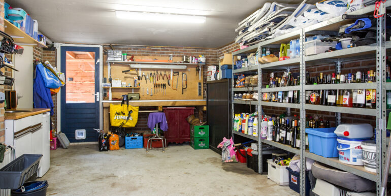 10-Garage-01