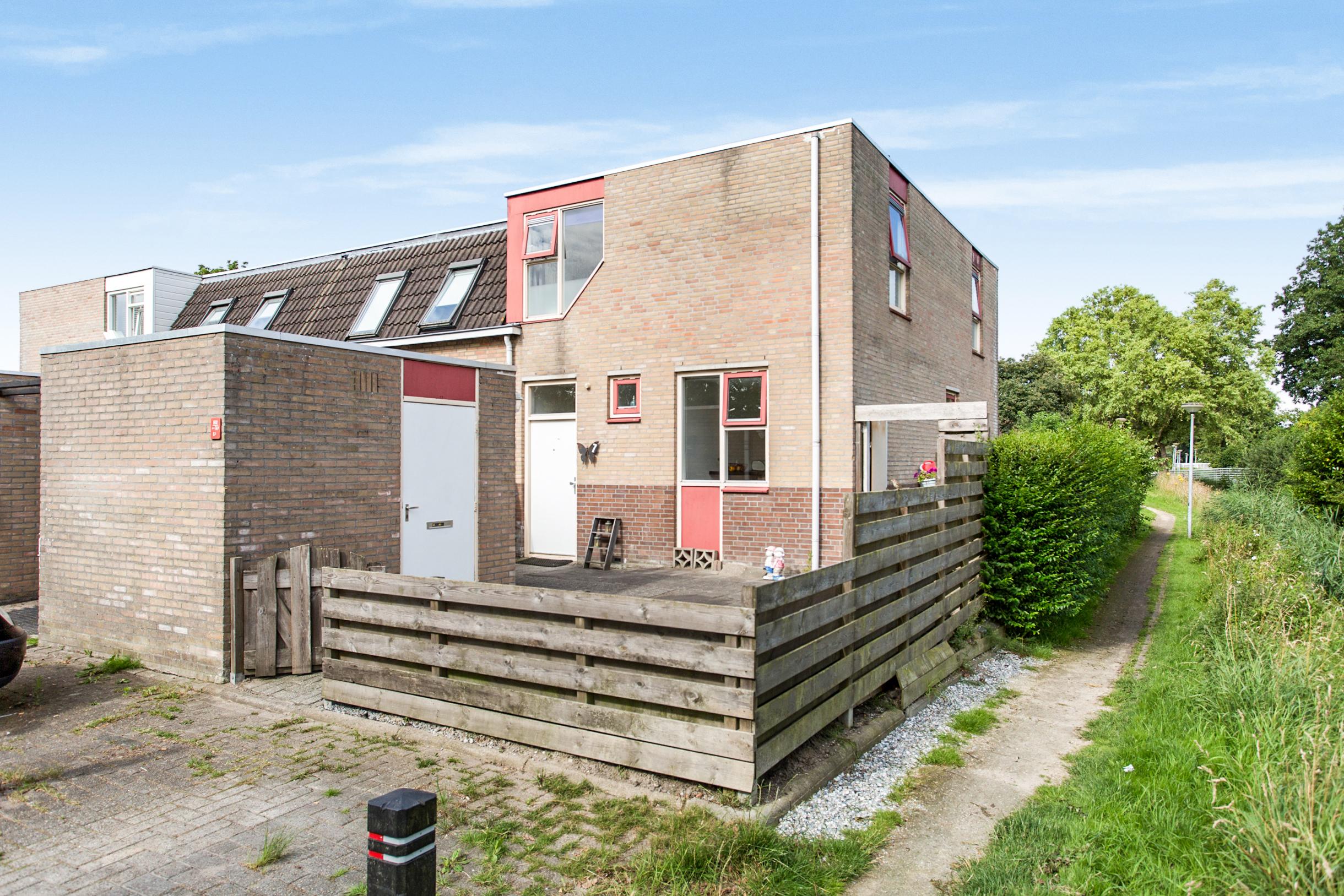 Edzemaheerd 7 – 9737 JA Groningen