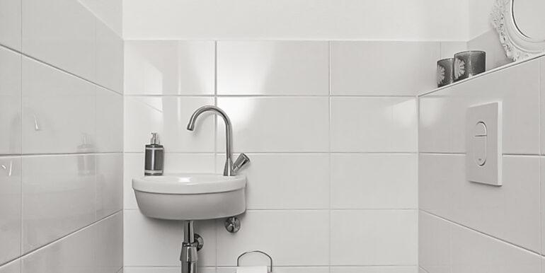 03-Toilet-01